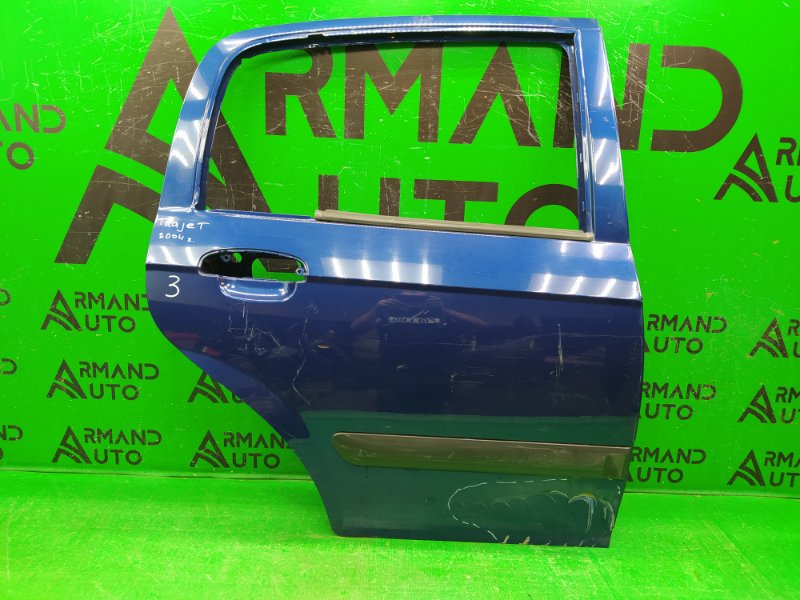 Дверь Hyundai Trajet РЕСТАЙЛИНГ 2004 задняя правая (б/у)