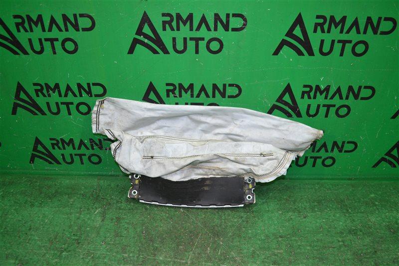 Подушка безопасности Mercedes С W205 2014 передняя нижняя (б/у)