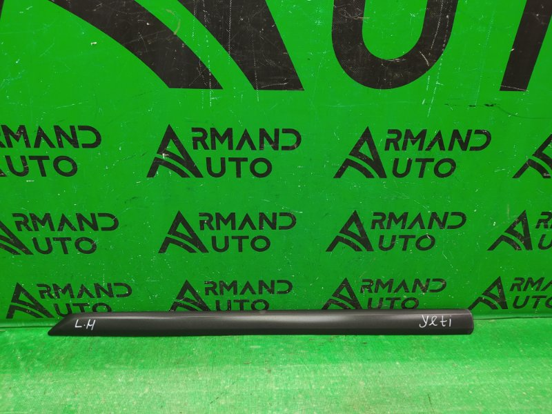 Накладка двери Skoda Yeti 2009 передняя левая (б/у)