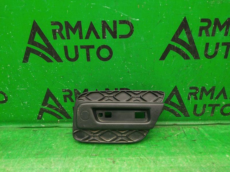 Заглушка бампера Renault Sandero Stepway 2009 задняя правая (б/у)