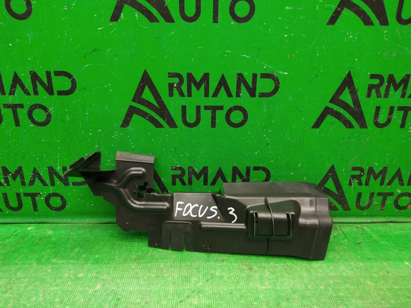 Дефлектор радиатора Ford Focus 3 2011 правый (б/у)