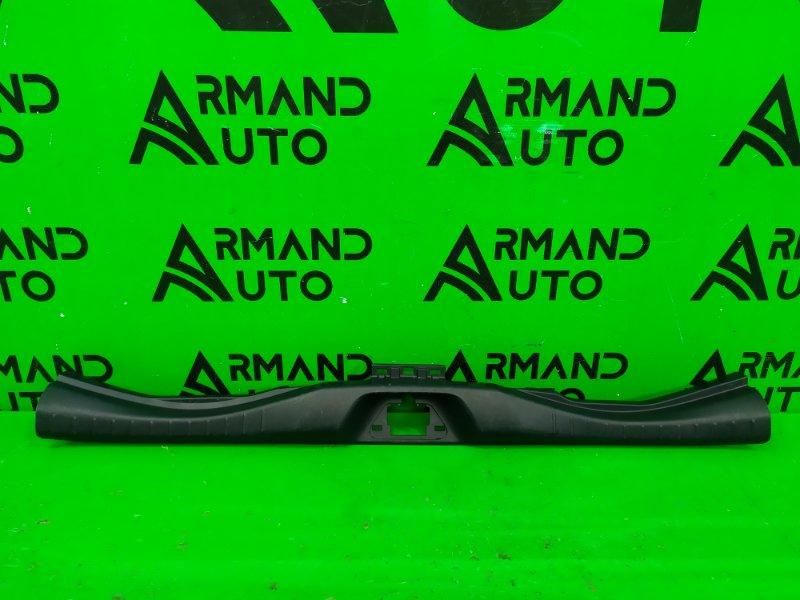 Накладка замка багажника Toyota Alphard 3 2015 (б/у)
