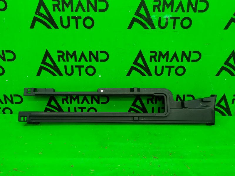 Накладка пола багажника Toyota Alphard 3 2015 правая (б/у)
