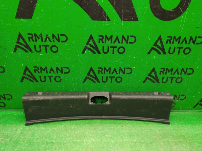 Накладка замка багажника Lada Granta 2011 (б/у)