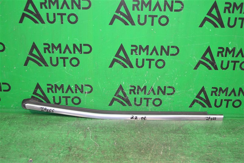 Накладка стекла Mercedes Gl X166 2012 задняя правая (б/у)