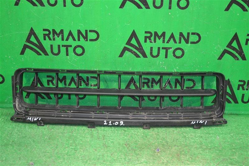 Решетка бампера Mini Countryman F60 2016 передняя (б/у)