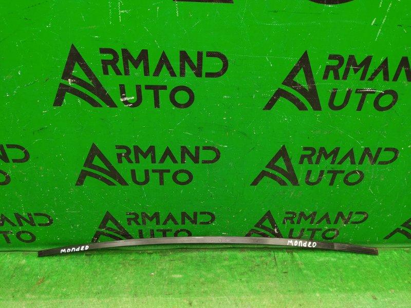 Накладка лобового стекла Ford Mondeo 3 2000 левая (б/у)