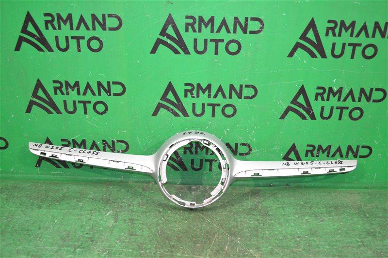 Накладка решетки радиатора amg Mercedes С W205 2014 (б/у)