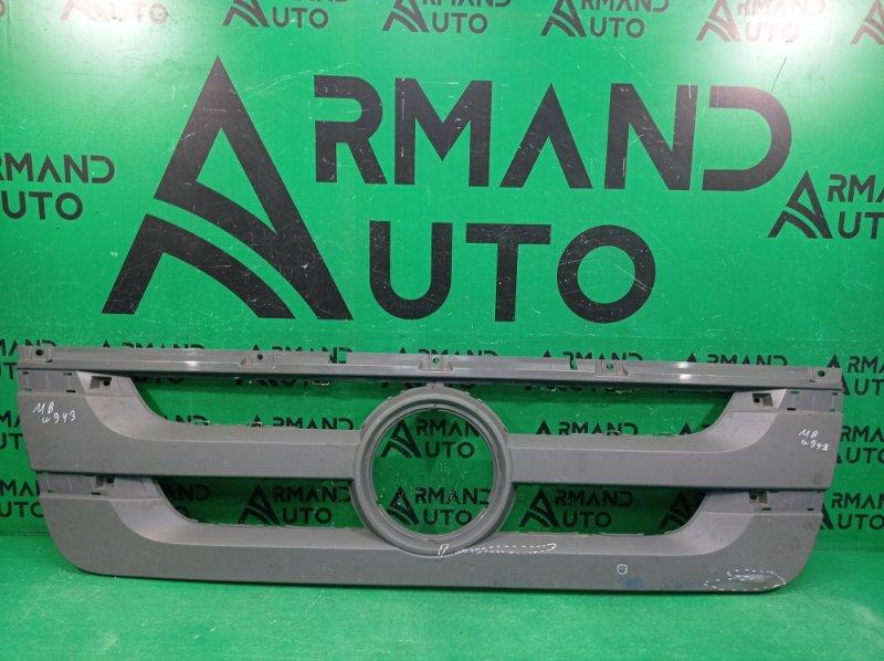 Решетка радиатора Mercedes Actros (б/у)