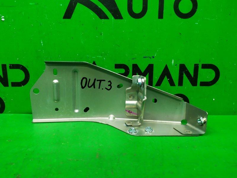 Кронштейн усилителя Mitsubishi Outlander 3 2012 передний правый верхний (б/у)