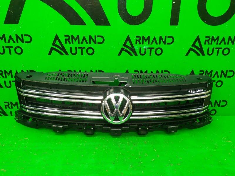 Решетка радиатора Volkswagen Tiguan РЕСТАЙЛИНГ 2011 (б/у)