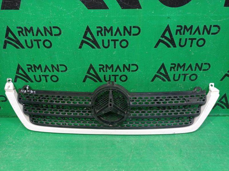 Решетка радиатора Mercedes Sprinter W901 (б/у)