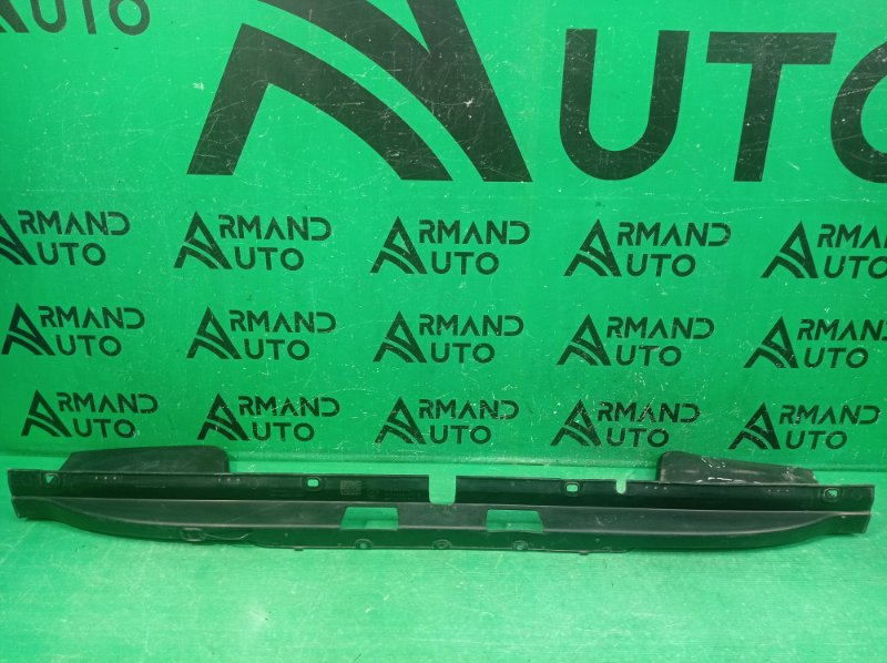 Накладка бампера Volkswagen Amarok 2010 задняя верхняя (б/у)