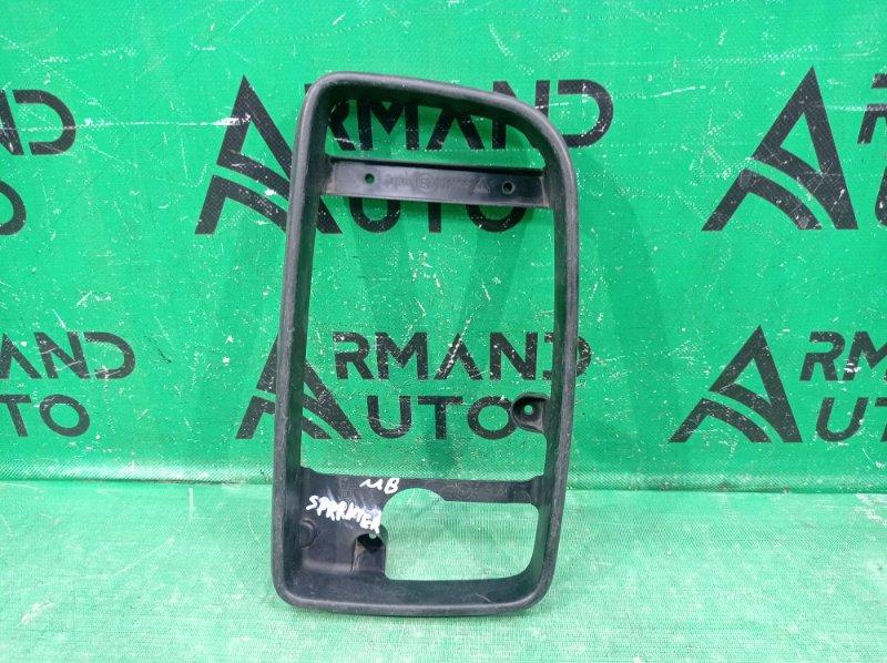 Рамка зеркала Mercedes Sprinter W906 2006 правая (б/у)