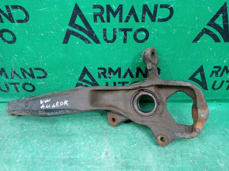 Кулак поворотный Volkswagen Amarok 2010 передний правый (б/у)