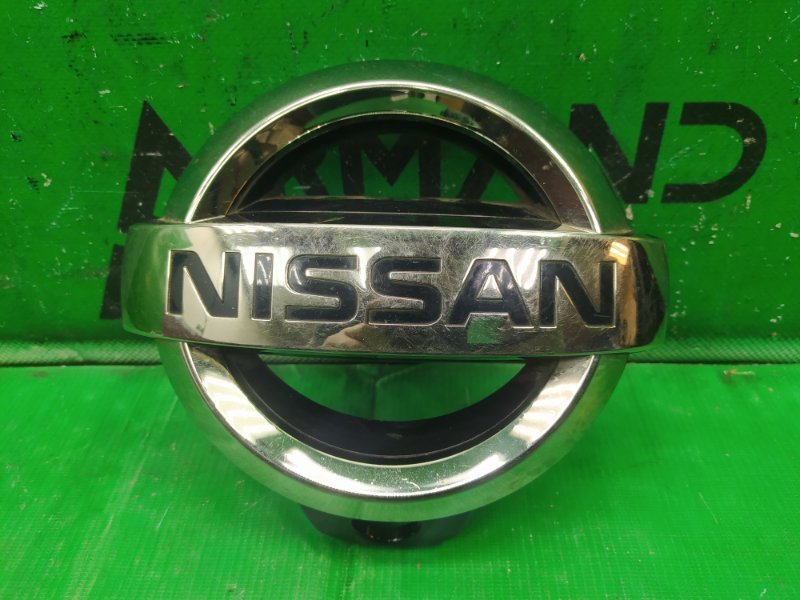 Эмблема Nissan Patrol Y62 2010 (б/у)