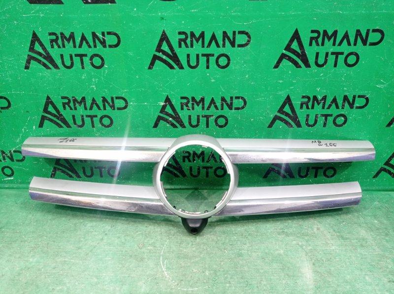 Накладка решетки радиатора Mercedes Gl X166 2012 (б/у)