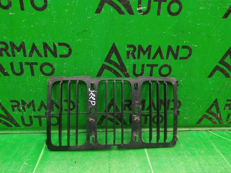 Решетка радиатора Jeep Grand Cherokee WK2 РЕСТАЙЛИНГ 2013 передняя нижняя (б/у)