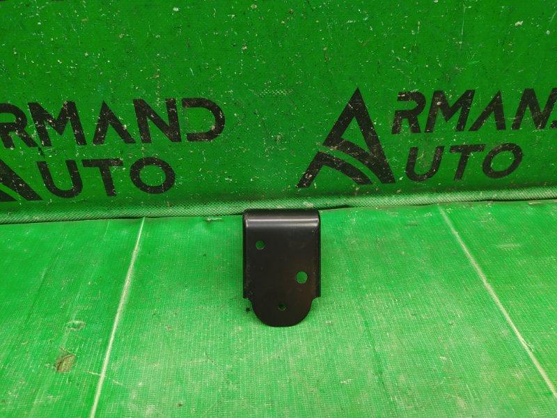 Кронштейн бампера Infiniti Qx56 Z62 2010 передний (б/у)