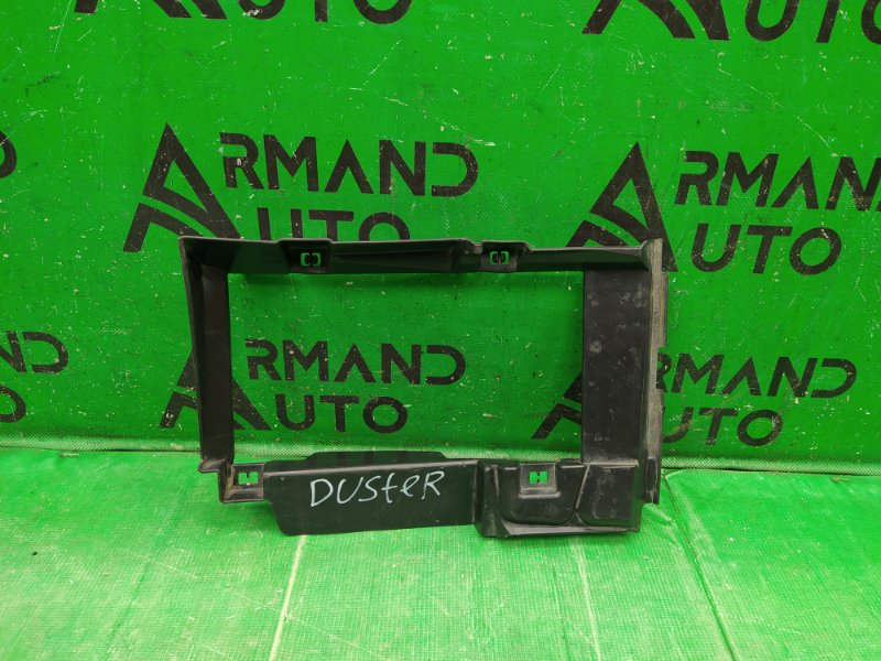 Дефлектор радиатора Renault Duster 2014 (б/у)