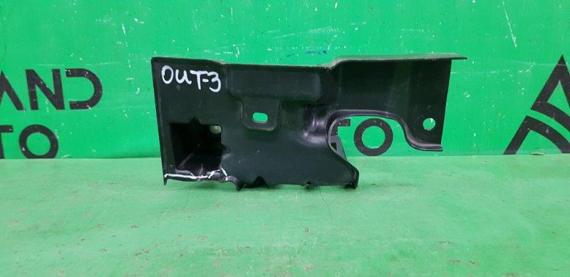 Кронштейн решетки радиатора Mitsubishi Outlander 3 2012 правый (б/у)
