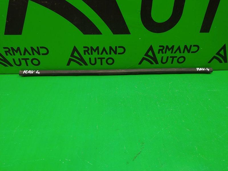 Уплотнитель капота Toyota Rav4 CA40 2012 (б/у)