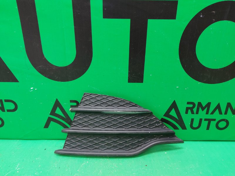 Накладка птф Ford Kuga 2 2012 левая (б/у)