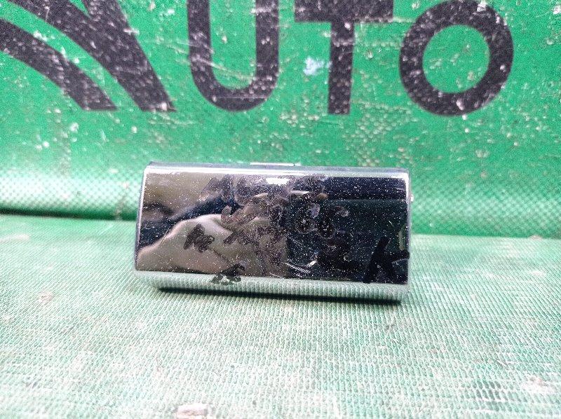 Заглушка буксировочного крюка Mercedes M Ml Gle-Class W166 2011 задняя (б/у)