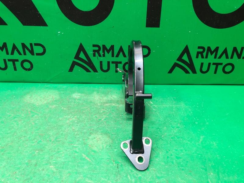 Петля багажника Skoda Superb 2 2008 левая (б/у)