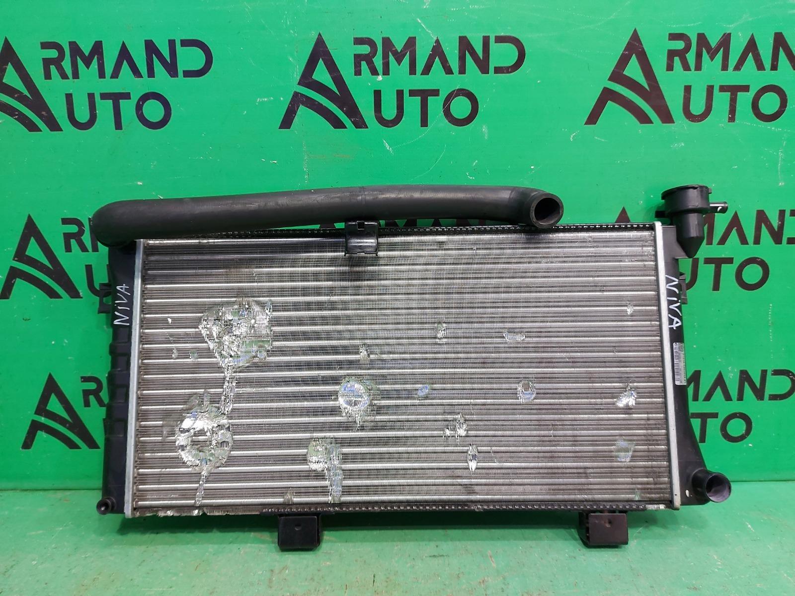 Радиатор охлаждения Lada Niva URBAN 2015 (б/у)