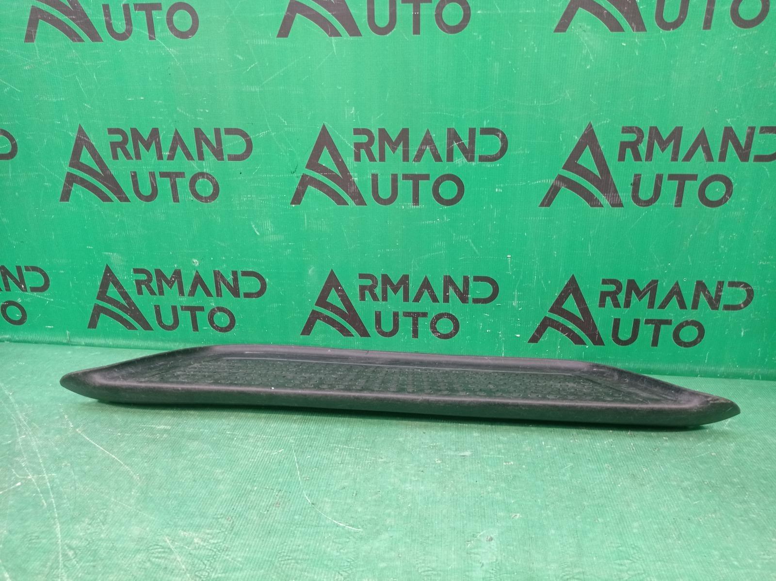 Накладка подножки Volkswagen Amarok 2 HA 2010 задняя (б/у)