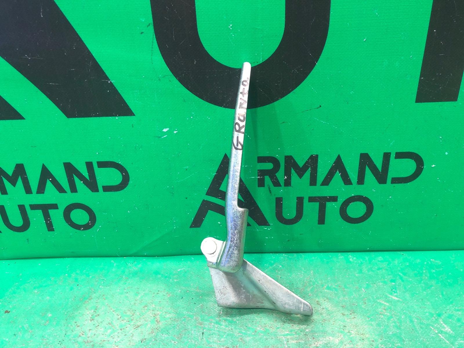 Петли капота Lada Granta 1 2011 левые (б/у)