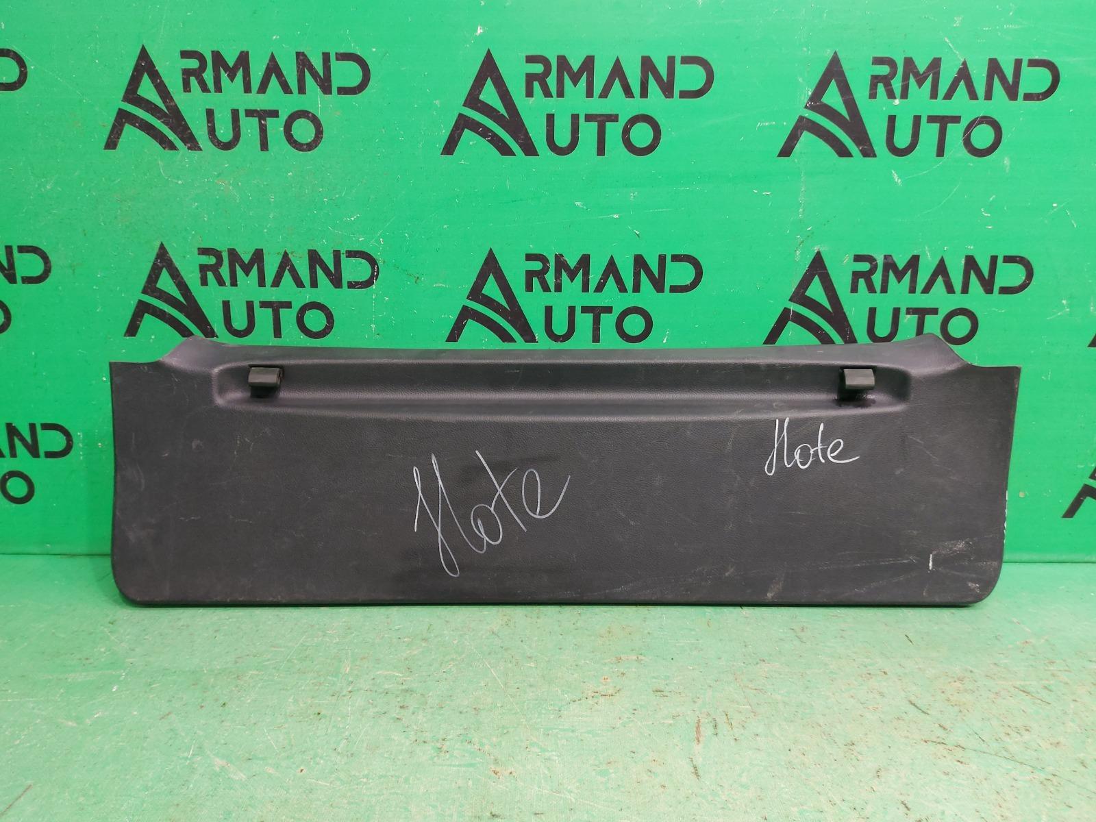 Обшивка крышки багажника Nissan Note 2005 (б/у)