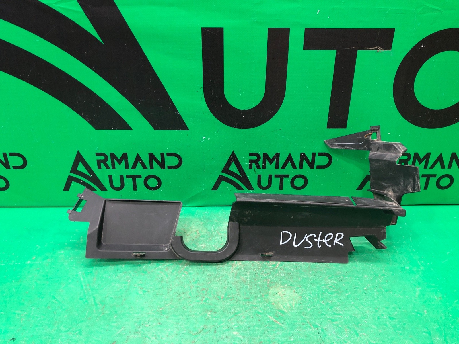 Дефлектор радиатора Nissan Terrano 3 2014 левый (б/у)
