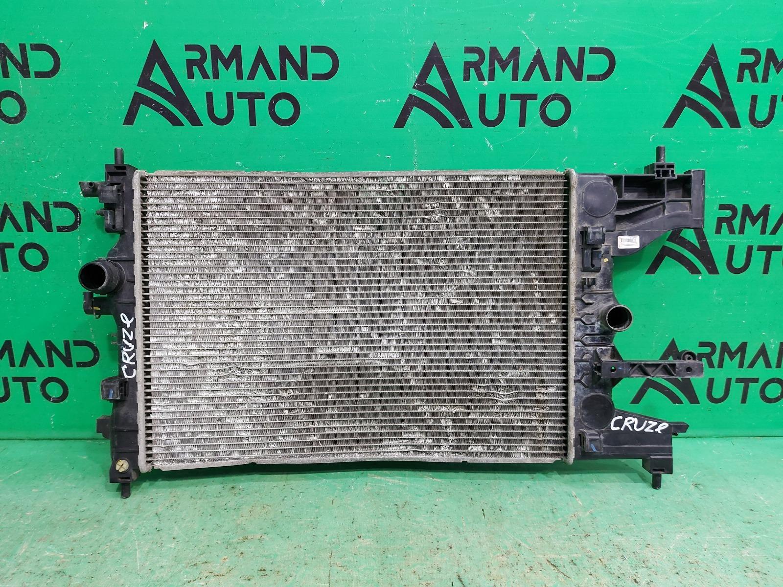 Радиатор охлаждения Chevrolet Cruze 1 2009 (б/у)