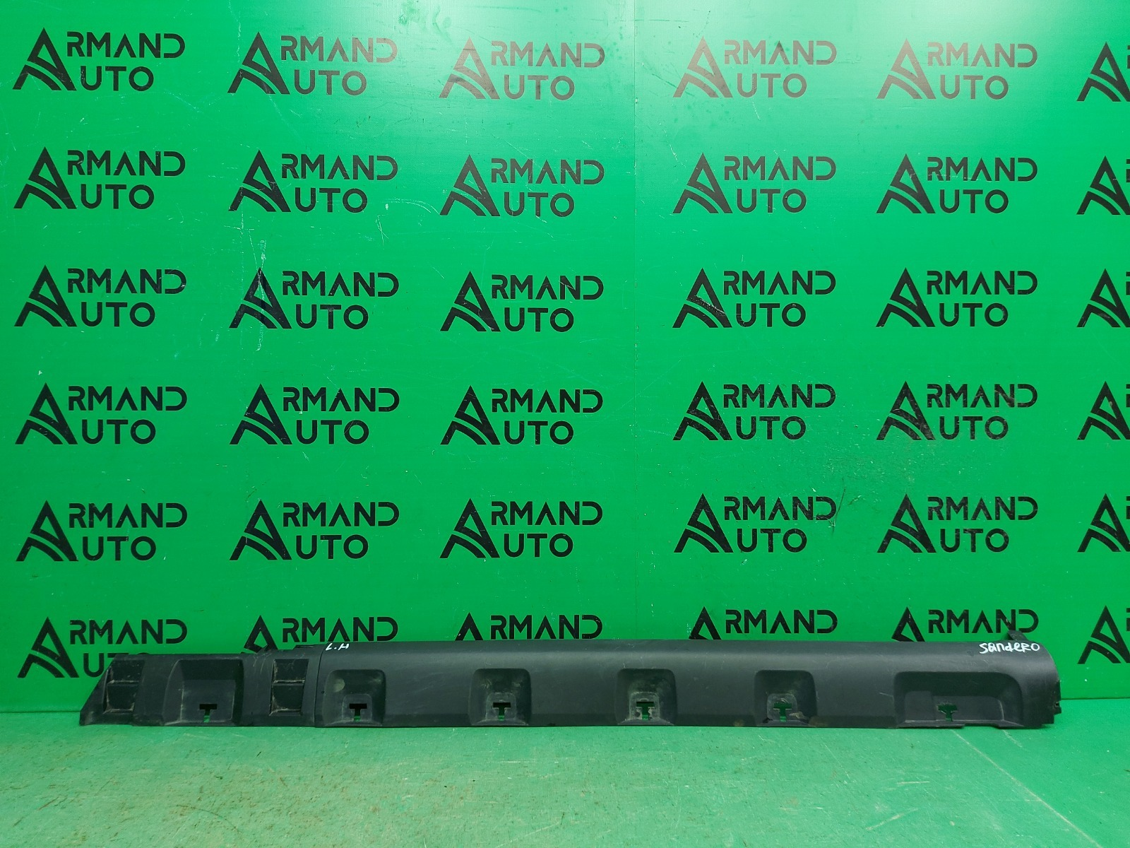 Накладка порога Renault Sandero Stepway 2 2014 правая (б/у)