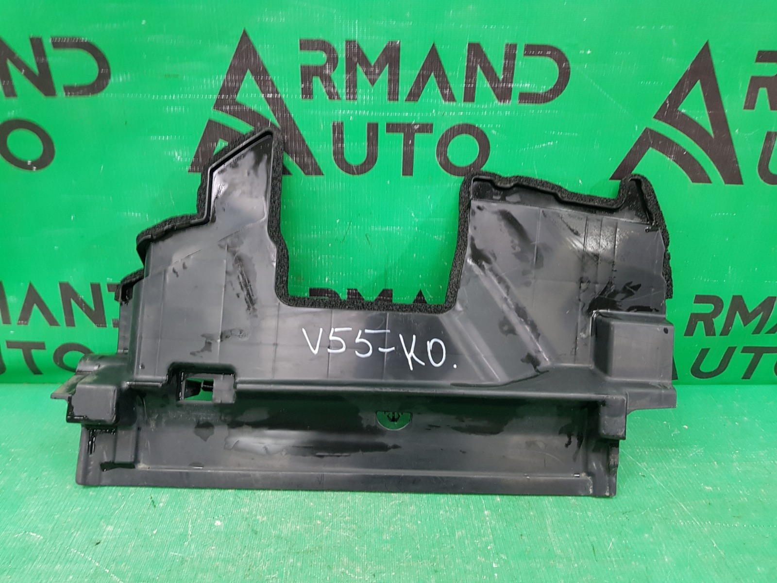 Дефлектор радиатора Toyota Camry V50 РЕСТАЙЛИНГ 2014 левый (б/у)