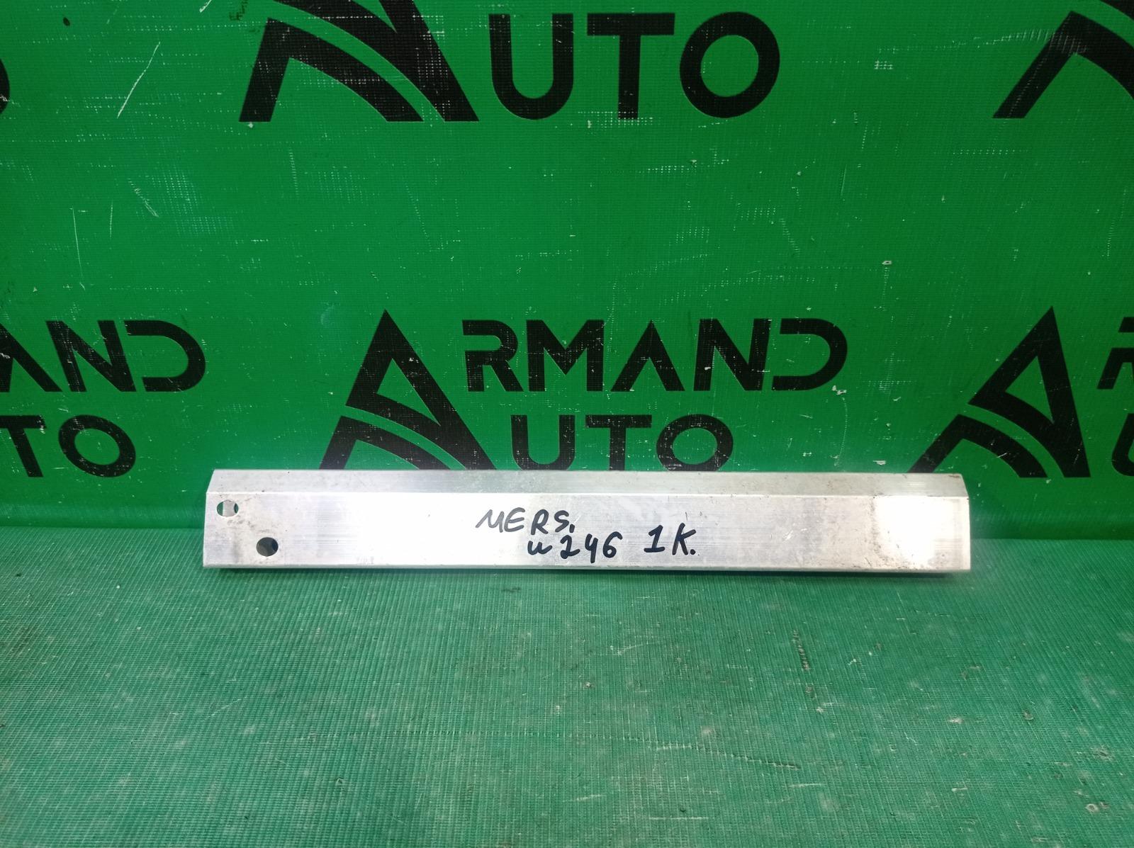 Кронштейн панели Mercedes B-Class W246 2011 правый нижний (б/у)