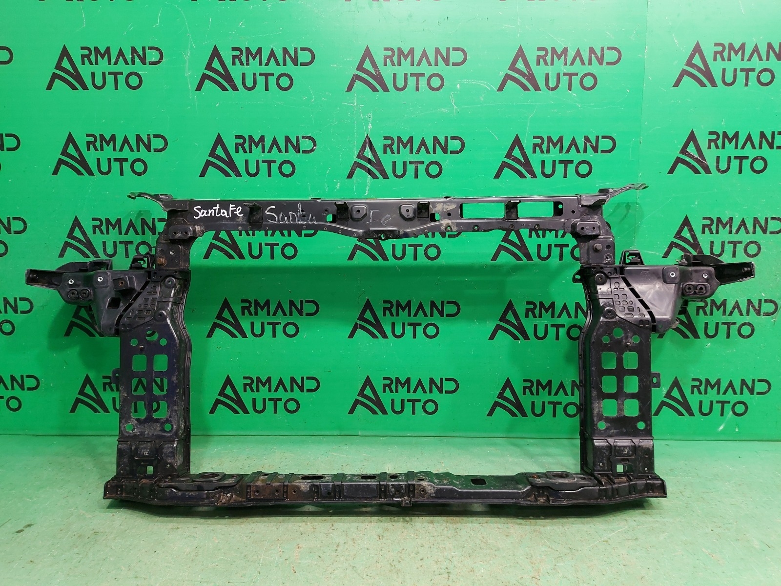 Панель передняя ( телевизор ) Hyundai Santa Fe 3 2012 (б/у)