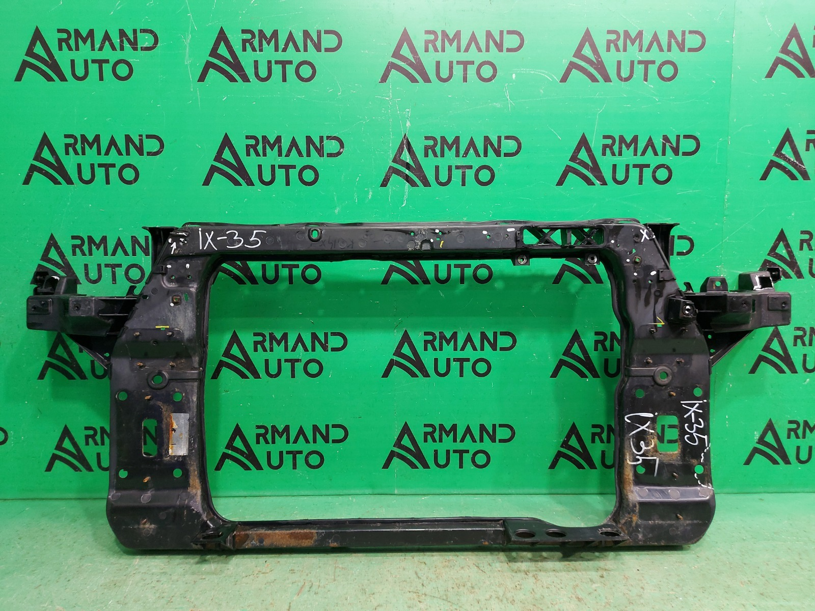 Панель передняя ( телевизор ) Hyundai Ix35 2010 (б/у)