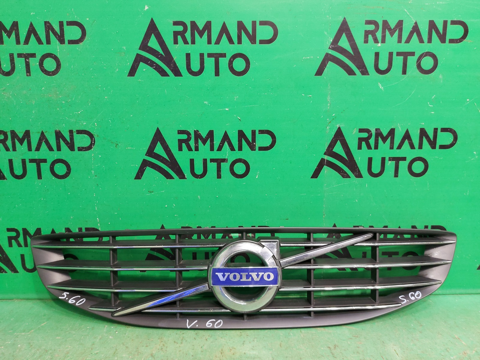 Решетка радиатора Volvo S60 2013 (б/у)