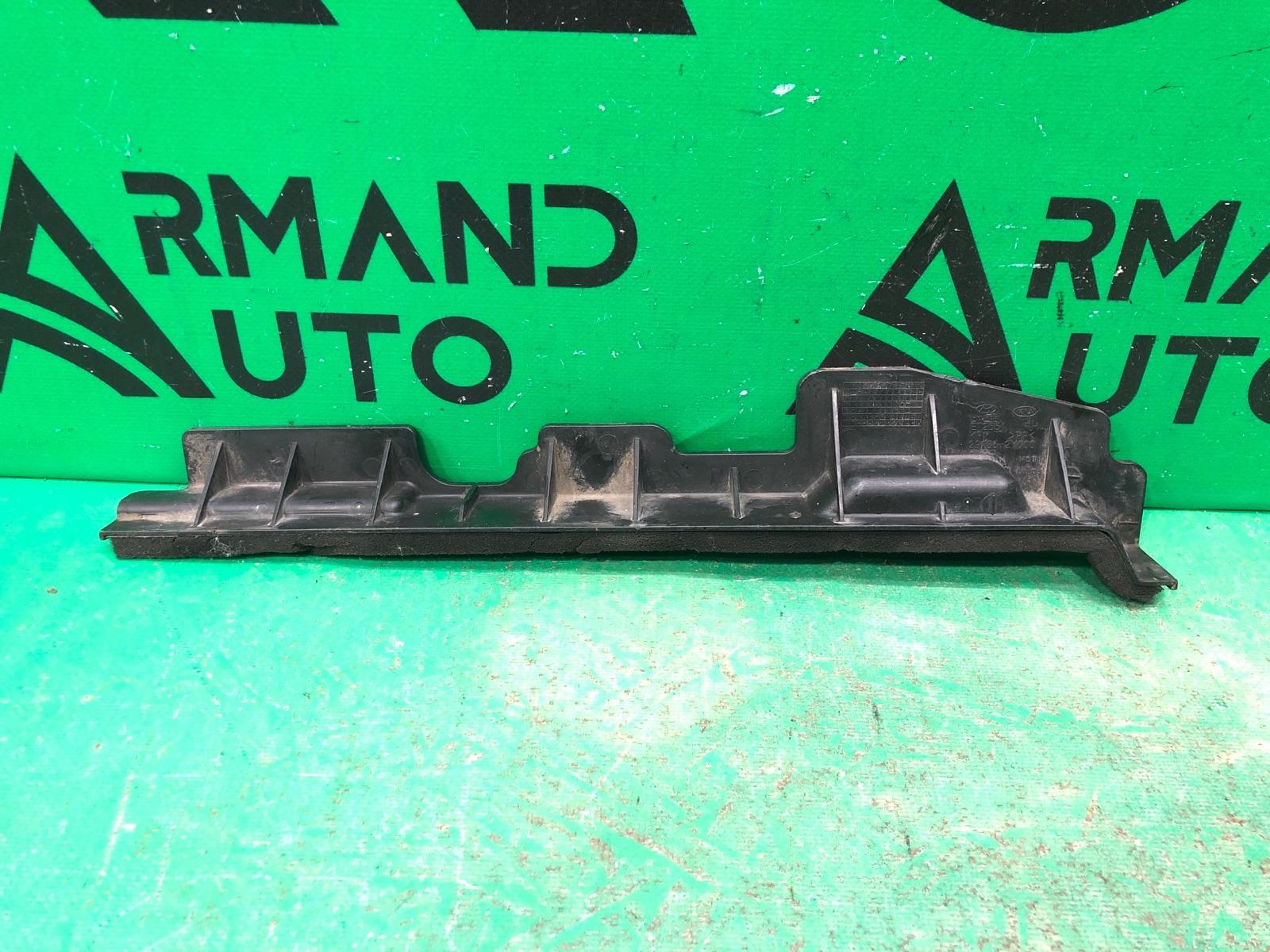 Дефлектор радиатора Hyundai Ix35 1 2010 правый (б/у)