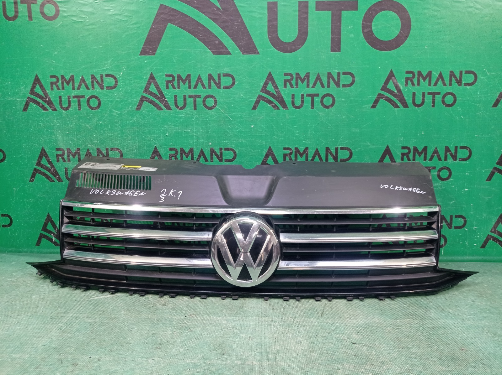 Решетка радиатора Volkswagen Transporter T6 2015 (б/у)