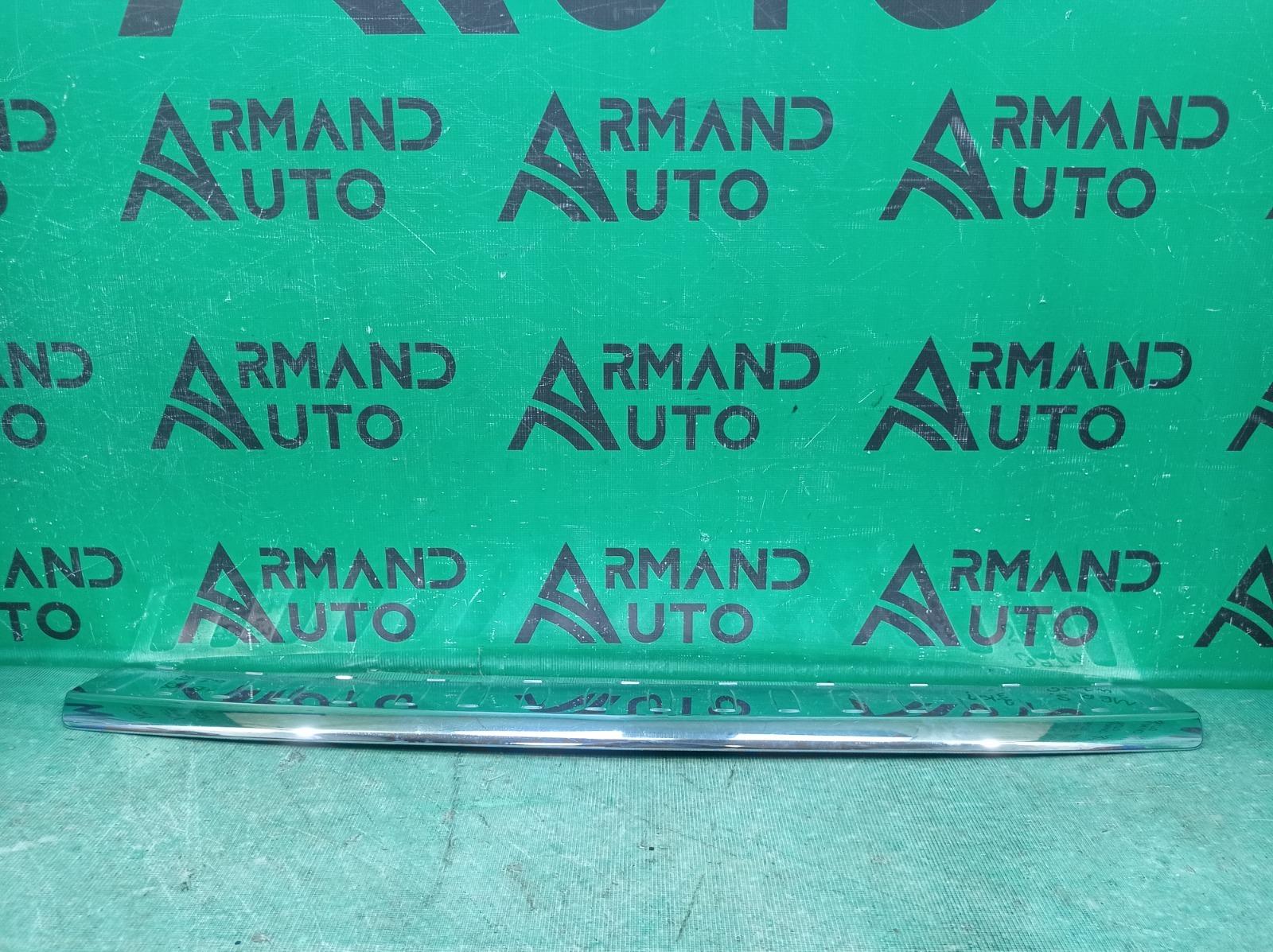 Накладка бампера Mercedes Gl Gls-Class X166 2012 задняя верхняя (б/у)