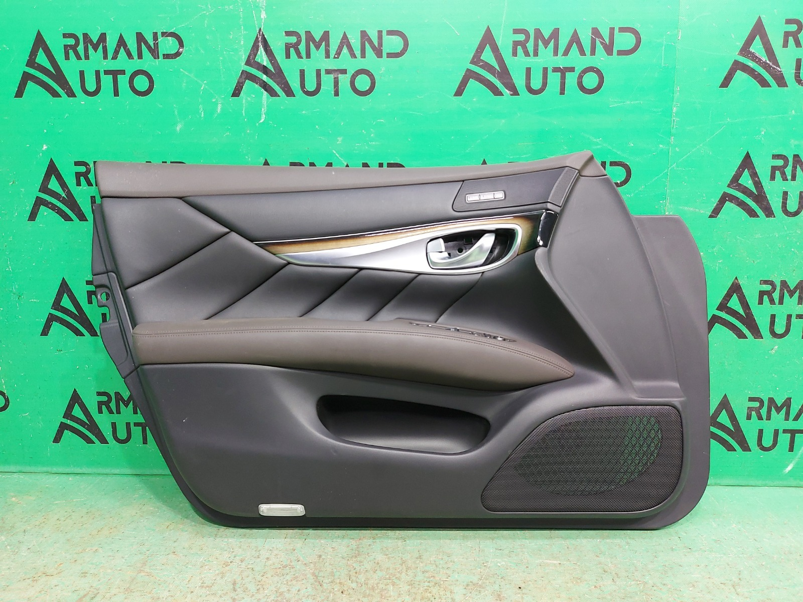 Обшивка двери Infiniti Q70 2013 передняя левая (б/у)