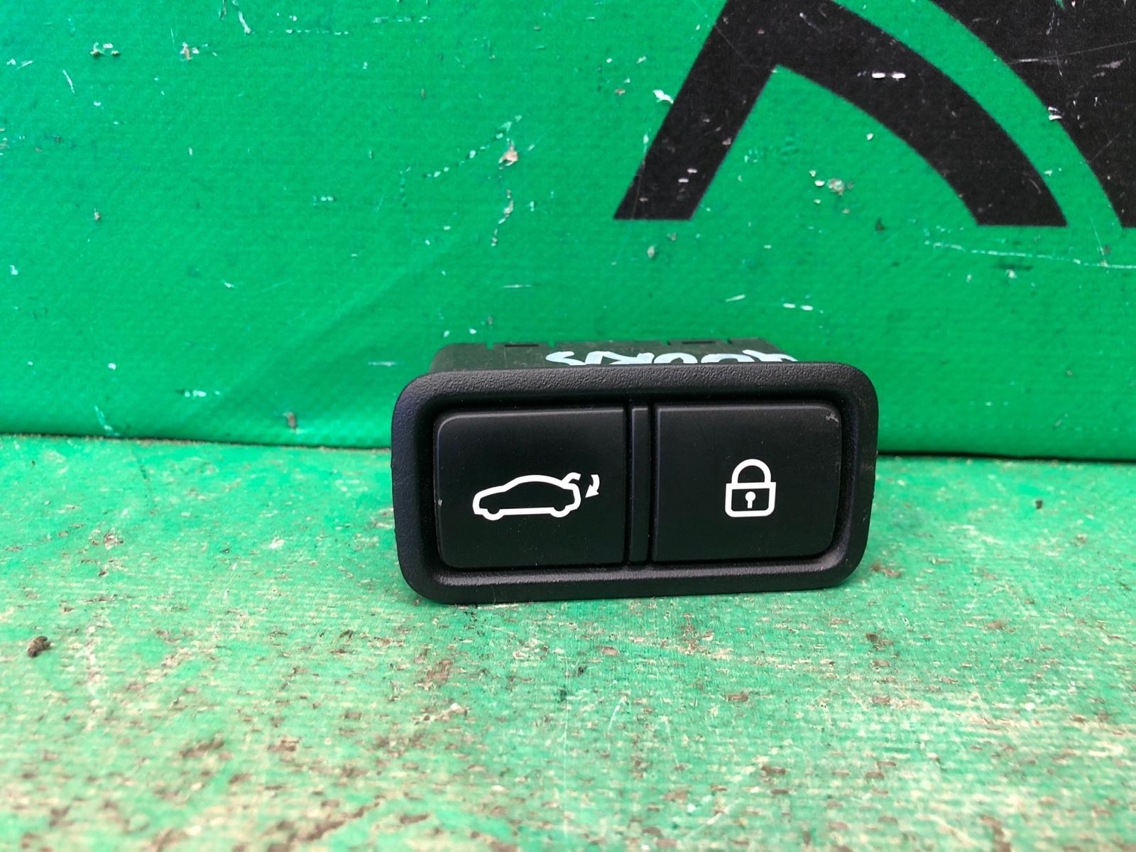 Кнопка открывания багажника Kia Quoris 1 2012 (б/у)