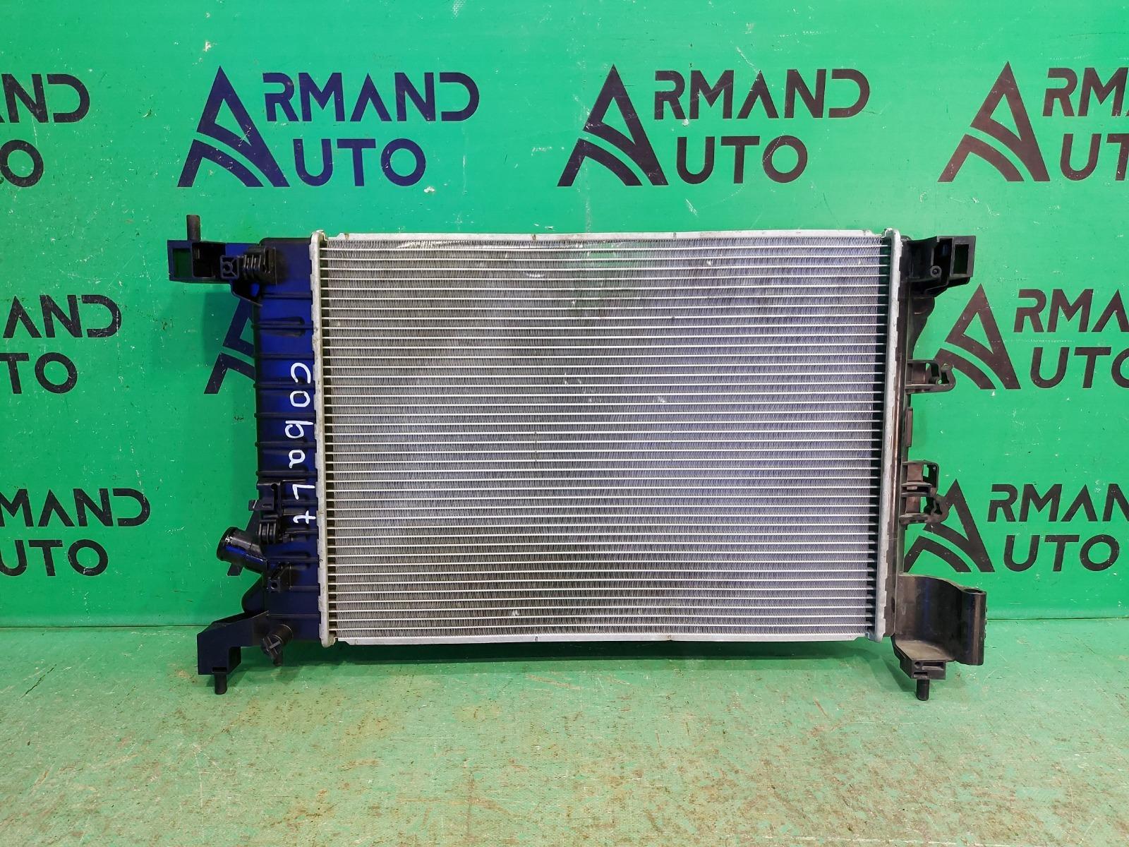 Радиатор охлаждения Chevrolet Cobalt 2 2011 (б/у)