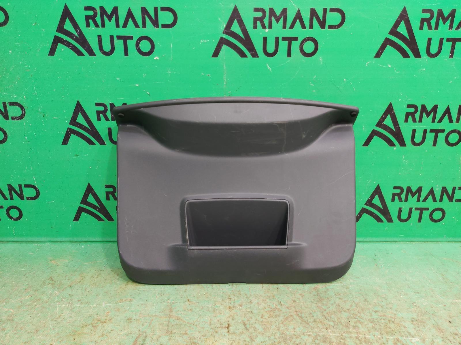 Обшивка двери багажника Renault Duster 1 2010 (б/у)