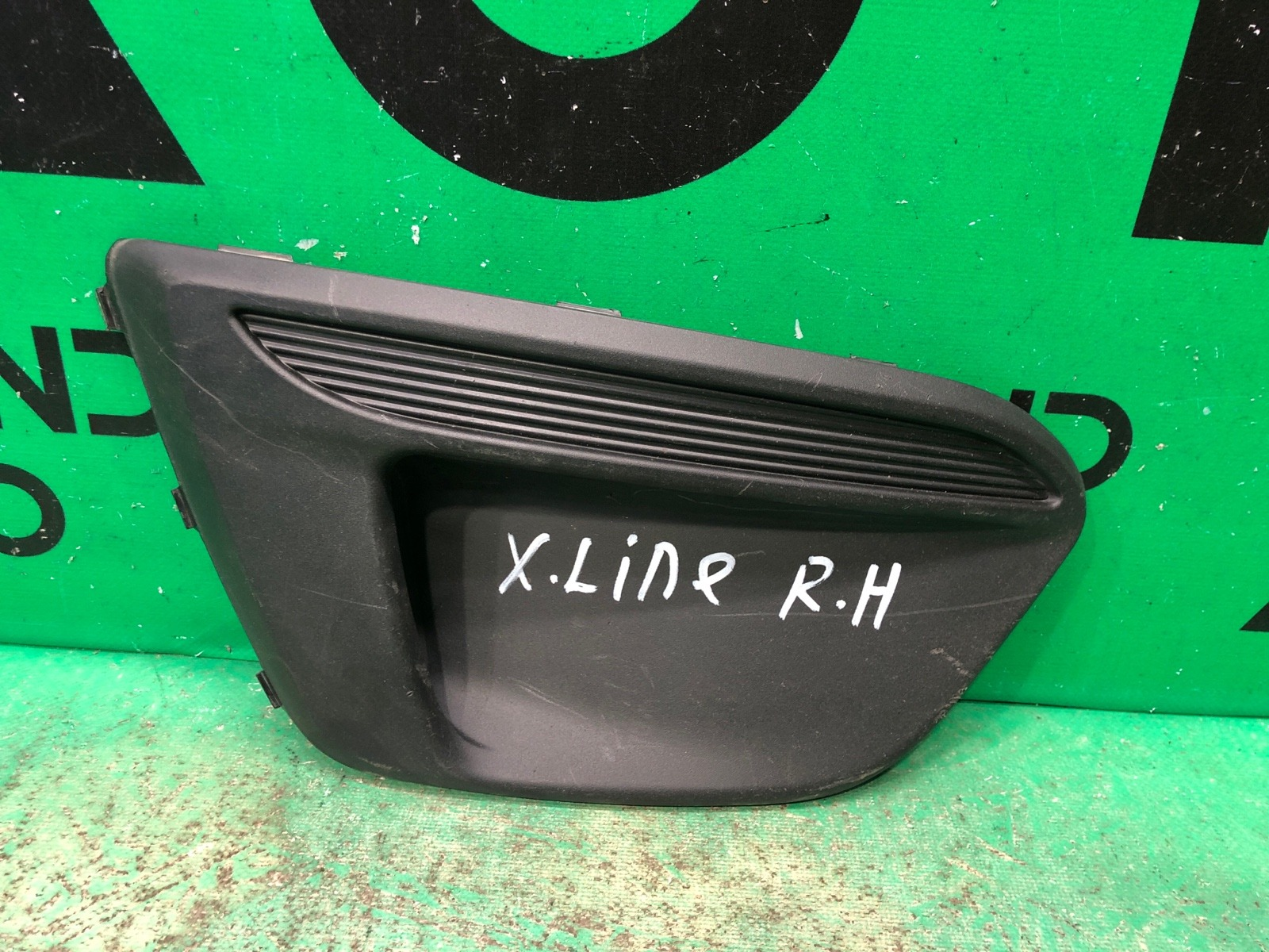 Накладка птф Kia Rio 4 X-LINE 2017 правая (б/у)
