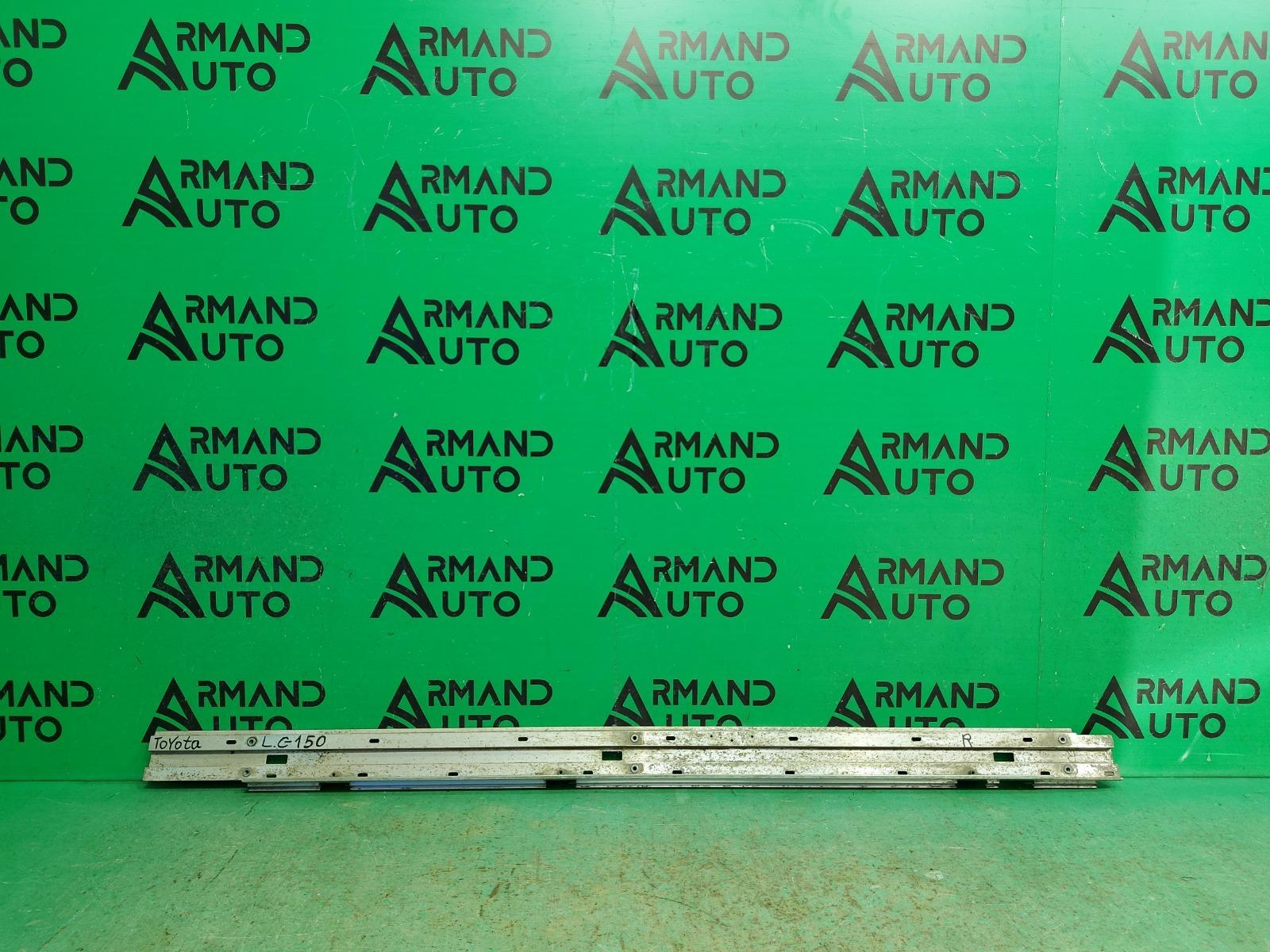 Кронштейн подножки Toyota Land Cruiser 200 2012 правый (б/у)
